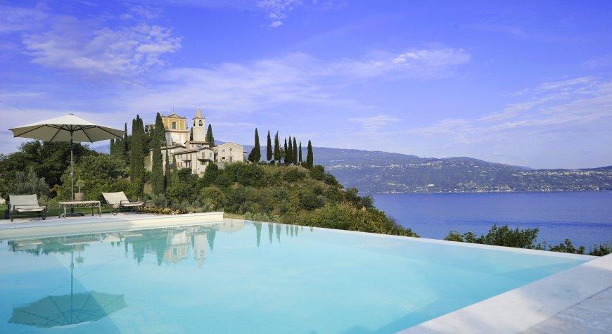 Real Estate Garda Lake coast