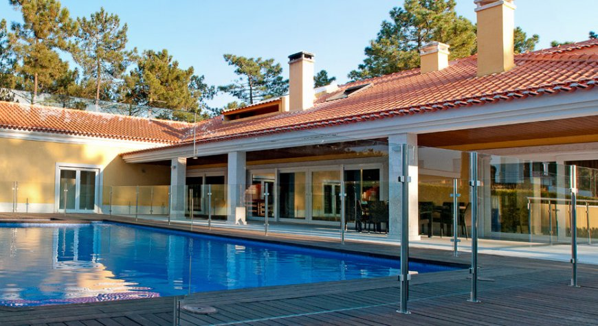 Casa bachata villa met privezwembad en biljarttafel aan de kust van lissabon - Buiten villa outs ...